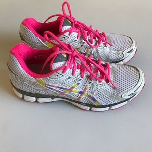 Asics Gel GT 2000 Running  shoes size 10 US
